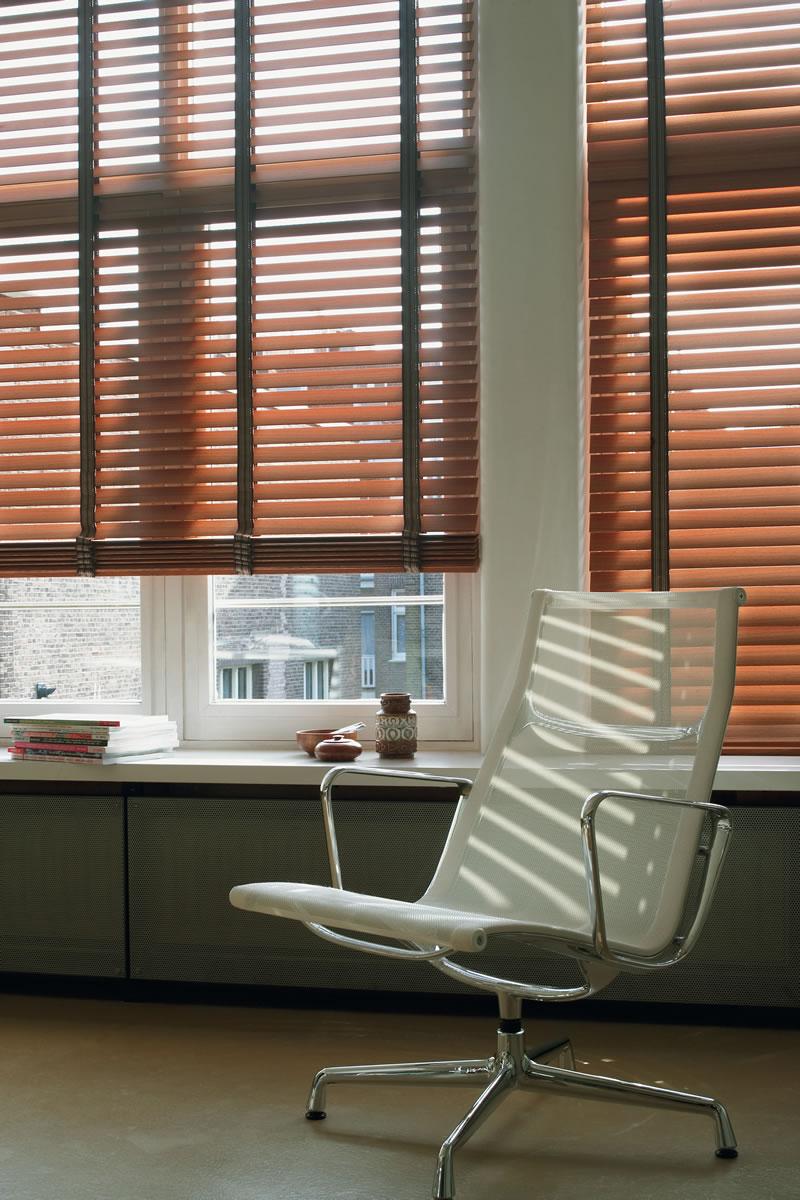 Persiana horizontal em madeira 50mm - Laminas de persianas ...